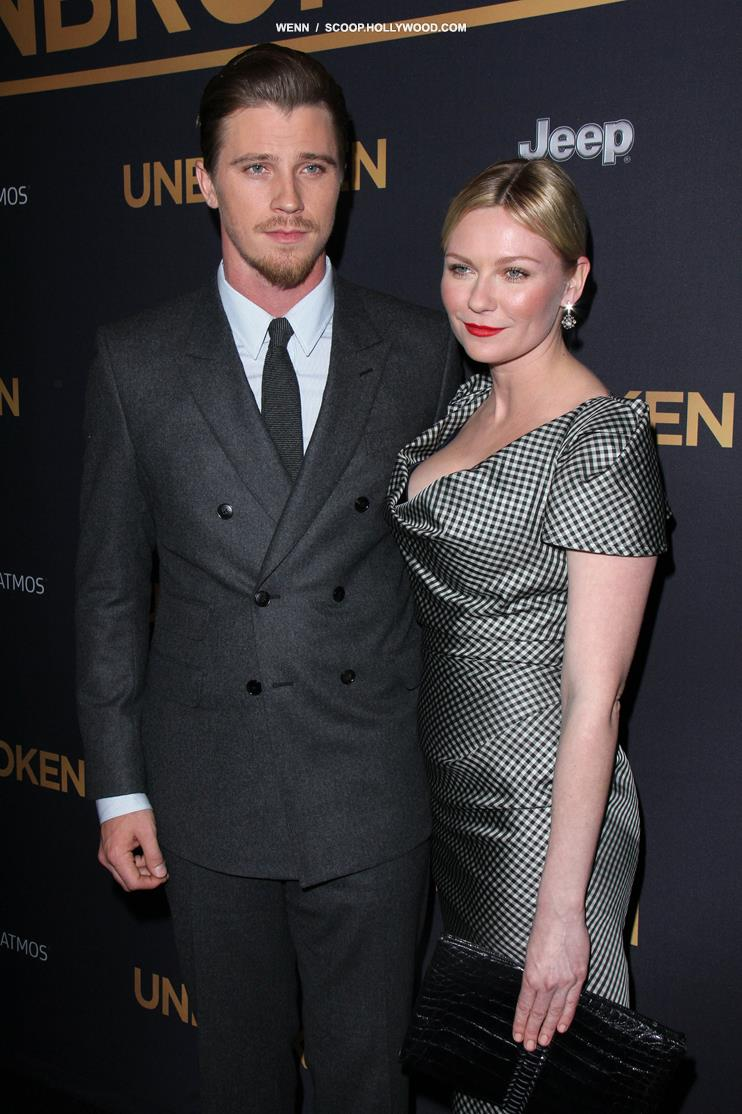 Kirsten dunst johnny borrell a couple yeeurch new picture
